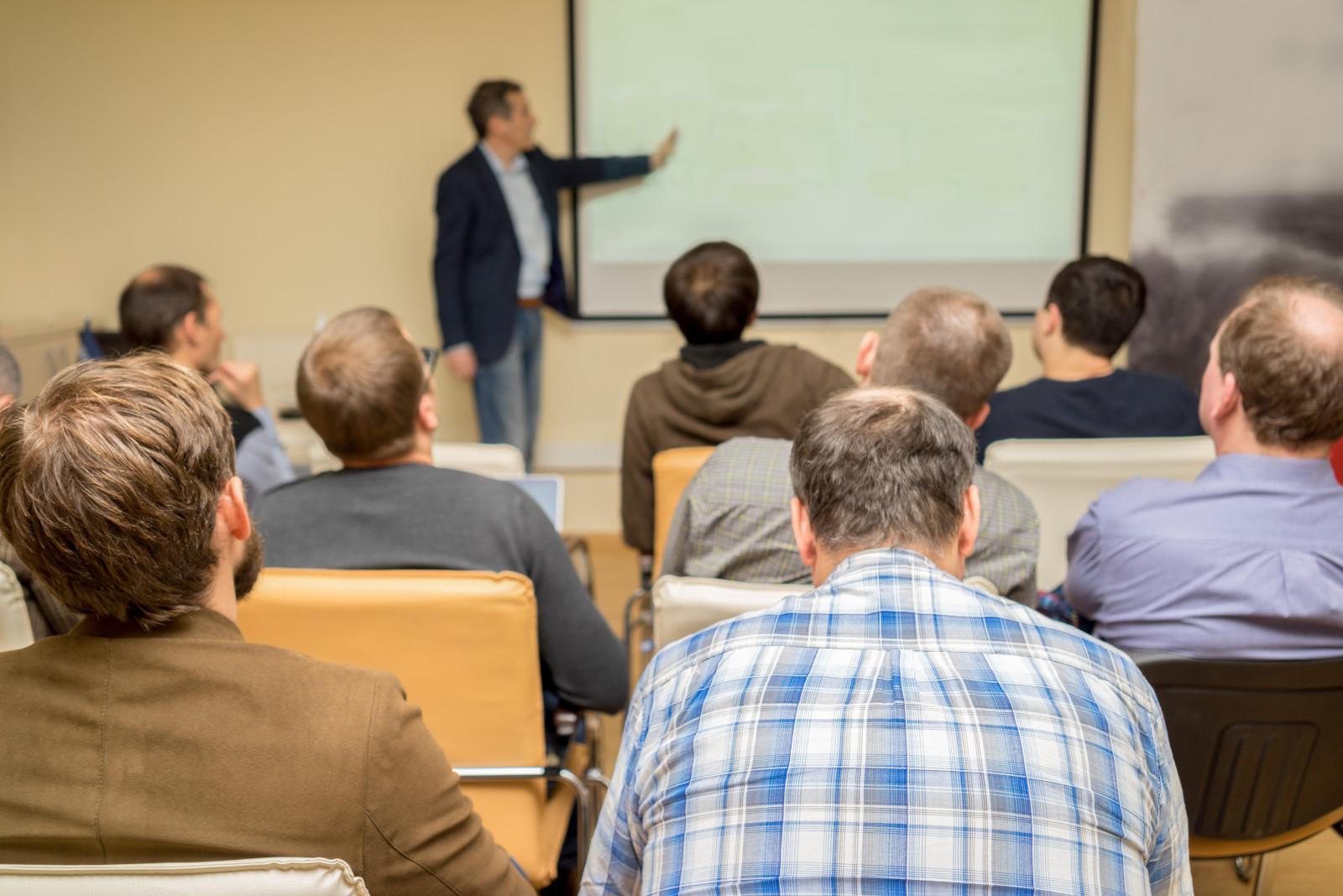 How to Handle Interruptions During Your Training Presentation